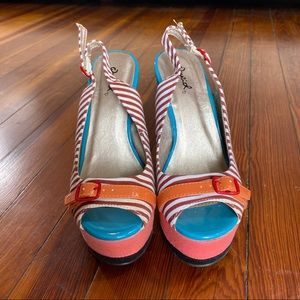 Qupid Shoes - Qupid adorable wedges women's size 6 striped shoes